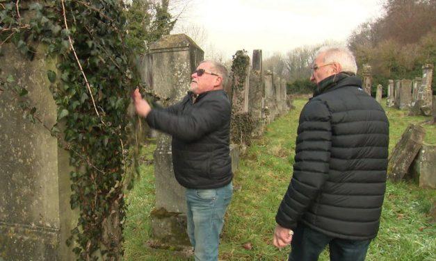 Rund um : Les veilleurs du cimetière juif de Durmenach